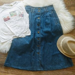 Vintage | high-waisted denim buttonfront skirt